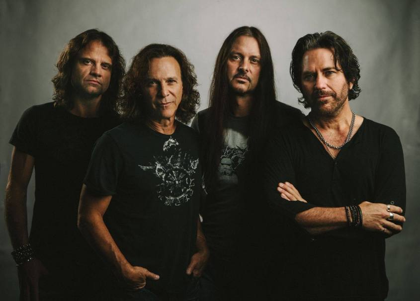 Winger (l to r): John Roth, Rod Morgenstein, Reb Beach, Kip Winger