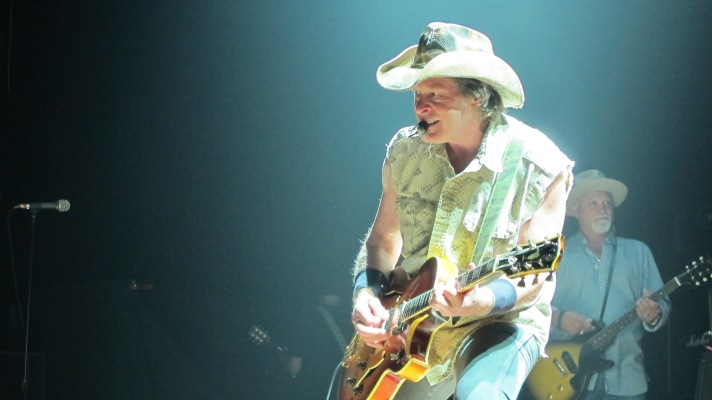 Ted Nugent Bring The Heat to Penns Peak